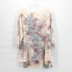 INDIGO SOUL Floral Lace Overlay 3/4 Sleeve Top
